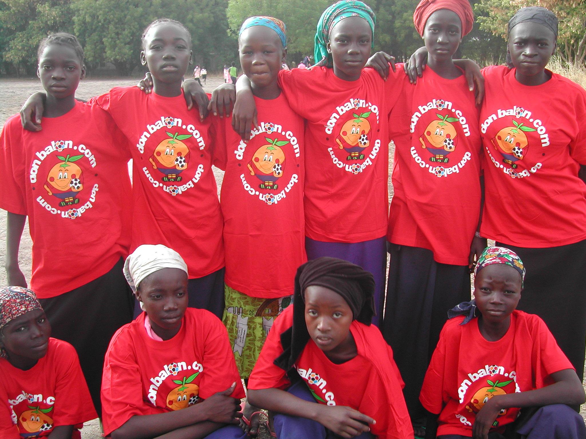 Donació de roba i calçat esportiu